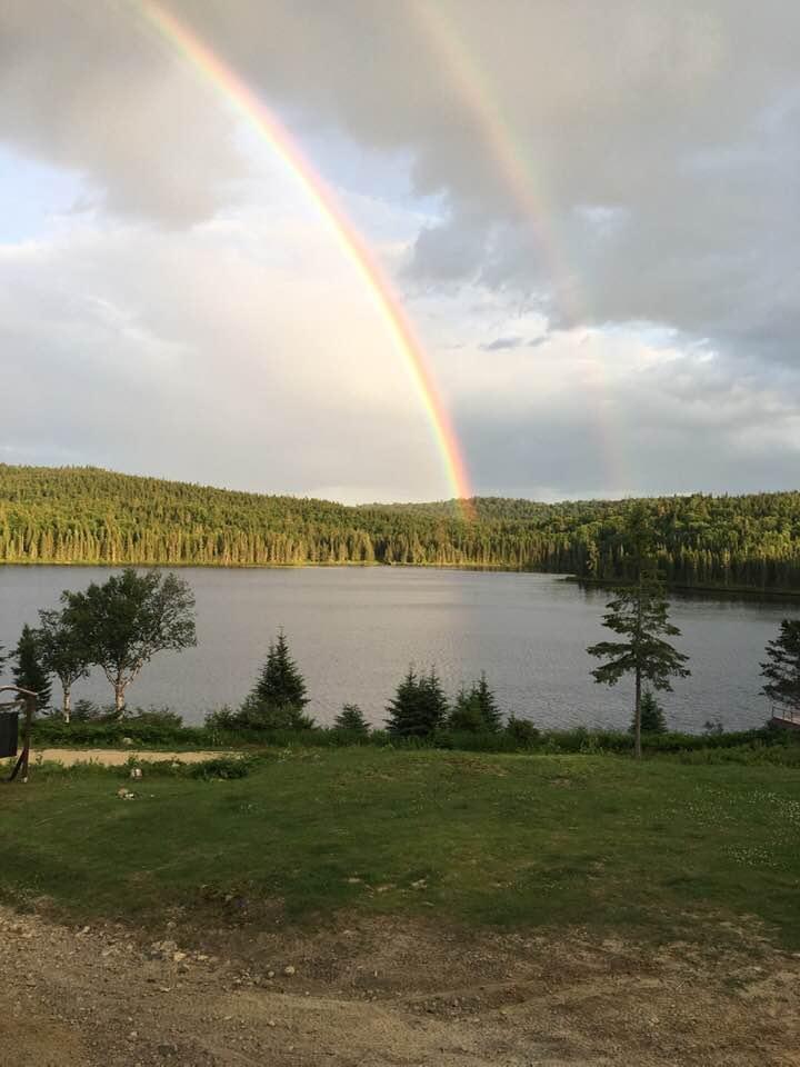Double arc-en-ciel sur le lac Canot