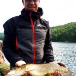 Pêche au brochet à la pourvoirie Rudy, Laurentides, Québec