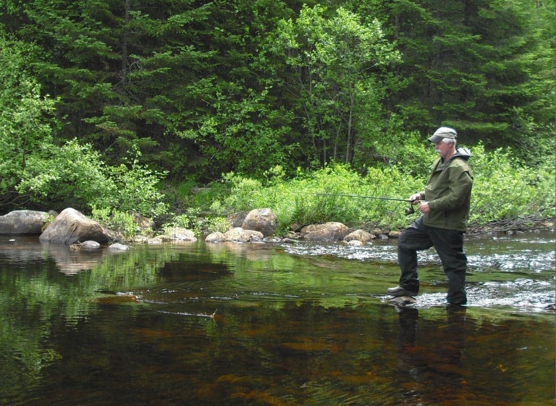 Pêche en rivière à la pourvoirie Rudy