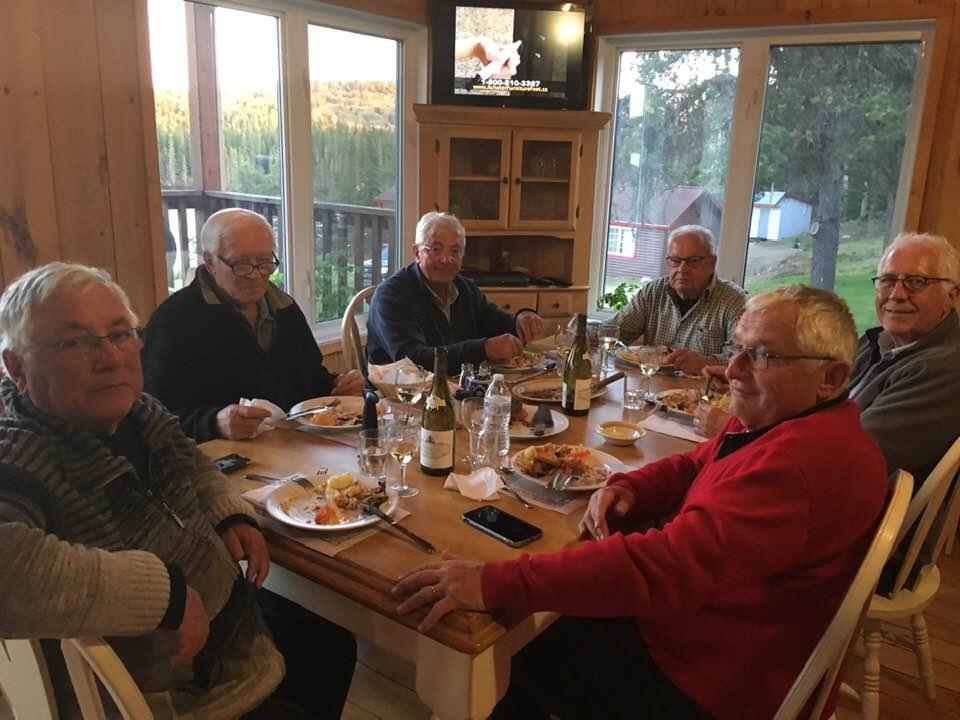 Salle à manger du Lodge à la pourvoirie Rudy